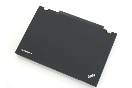 لابتوب Lenovo W520 وورك ستيشن - معالج i7 بكاش 8 ميجا - كارت شاشة Nvidia 2000m